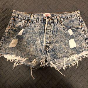 Cut-off jeans